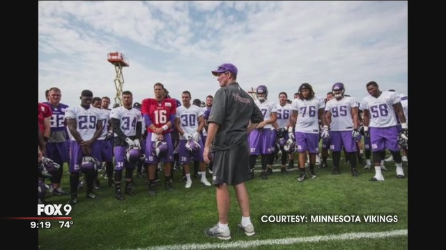 Minnesota Viking Camp: Find Someone To Stretch Field